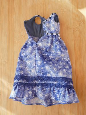 Simple blue-snowflakes prudence 44